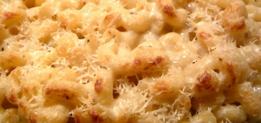 Easy-Crockpot-Recipes-for-Fall-Mac-and-Cheese